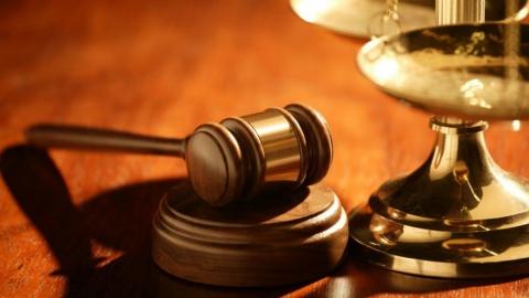 Чиновник Астахов приговорен за мошенничество