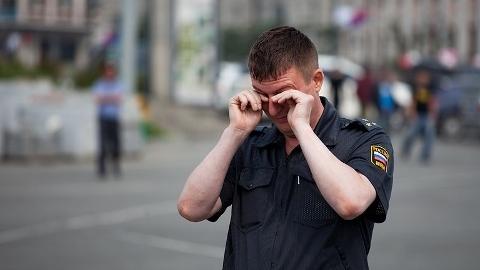 Гражданину грозит наказание за оскорбление полицейского в форме