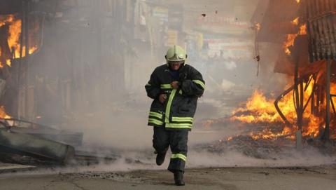 В Марксе огонь унес жизнь мужчины, в Саратове пожарные спасли пенсионерку