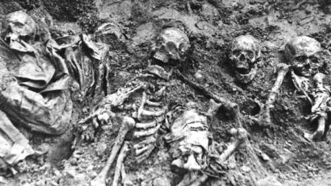 В Саратове торжественно перезахоронили останки троих воинов ВОВ