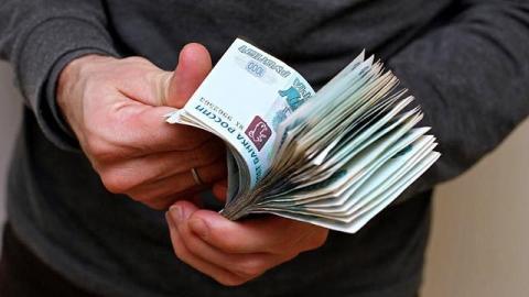 В Саратове экс-полицейские пойдут под суд за грабеж и вымогание взятки