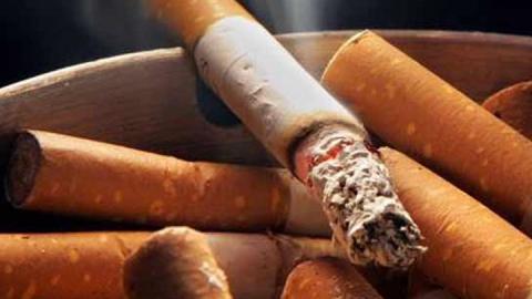 Под Саратовом неосторожный курильщик погиб на пожаре площадью в метр