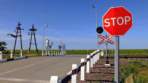 В Саратовской области на ночь закрывается железнодорожный переезд