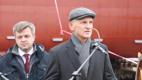 В Балакове спустили на воду первый за 30 лет теплоход местного производства