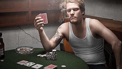 Экс-полицейские получили длительные сроки за сотрудничество с подпольными казино