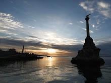 В Севастополе Радаев встречался с бизнесменами и адмиралом