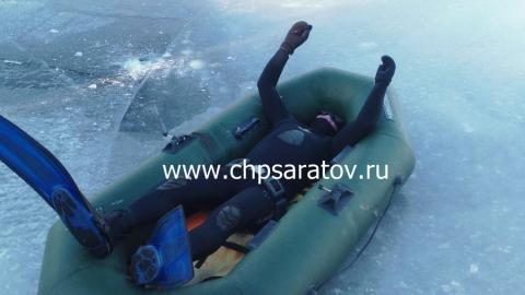 Под Балаковом из воды достали труп дайвера, ловившего раков