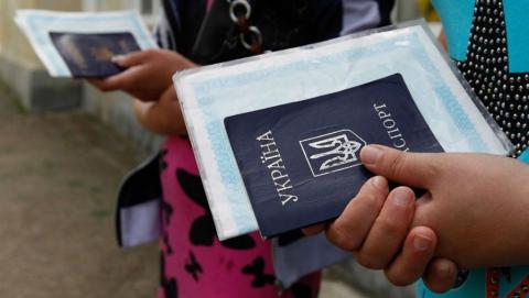 Депутат облдумы помогла советом и содействием украинскому беженцу