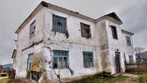 Саратов на втором месте в России по доле аварийного жилья