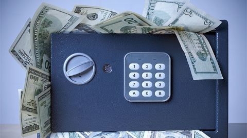 Лимит страховых выплат по банковским вкладам физлиц увеличили вдвое