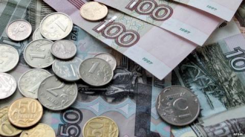 Минимальная зарплата саратовцев выросла до 6 900 рублей