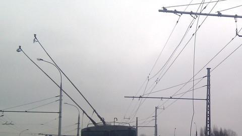 Из-за обрыва проводов на час остановились троллейбусы №3 и 15