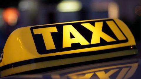 Трое разбойников напали на саратовского таксиста