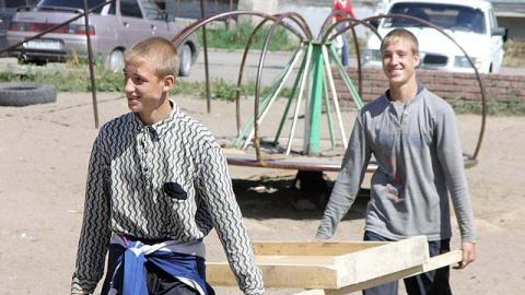 Временную работу нашли более 10 000 саратовских подростков