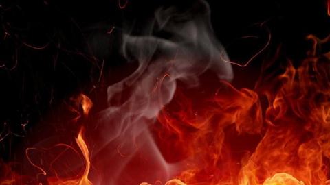 Под Саратовом мужчина не смог выбраться из горящего сарая