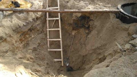 В Саратове молодого слесаря водоканала придавило грунтом