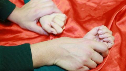 Мать спасла 12-летнюю девочку от отчима-насильника