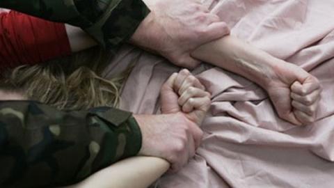 Уроженцы трех государств подозреваются в групповом изнасиловании россиянки