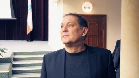 Александр Стрелюхин опроверг слухи об отмене льготных проездных в Балакове