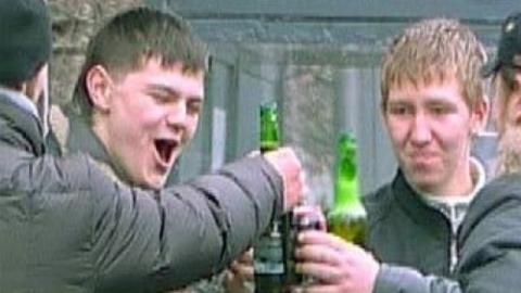 Бригада скорой помощи подобрала на улице пьяного школьника