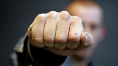Судимый за кражу саратовец избил шестиклассника