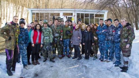 Студенты СГЮА сразились пейнтбольными ружьями за Ржев