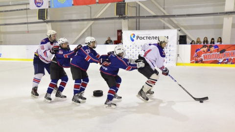 """Юные хоккеисты Саратова приняли участие в федеральной акции """"На старт с Ростелекомом!"""""""