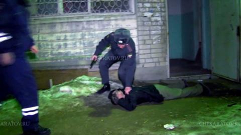 Саратовец взял возлюбленную в заложники и грозился взорвать дом