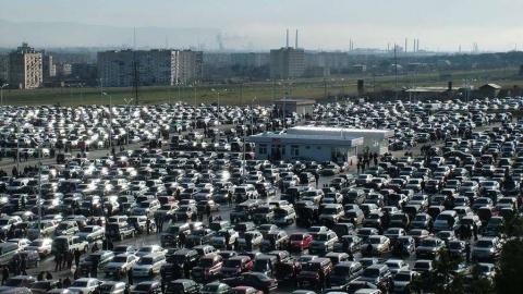 Продажи автомобилей в Саратове в 2015 году сократились вдвое