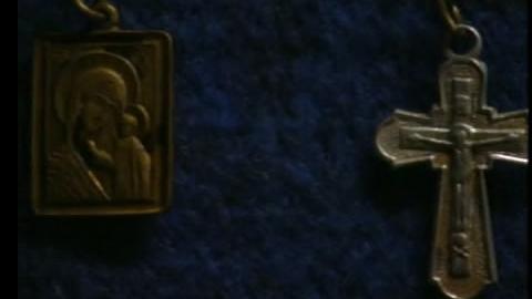 У прохожего в Саратове отобрали икону и крест