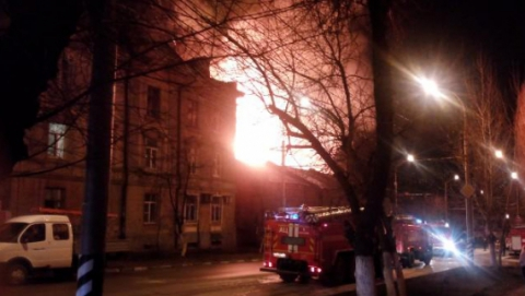 ГУ МЧС сообщает подробности двух крупных пожаров в Саратове