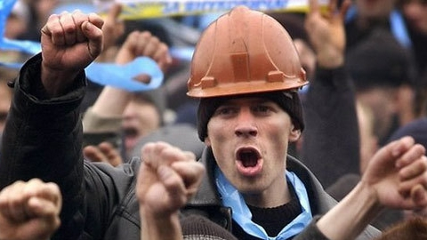 """Саратовские рабочие устроили голодовку на стройке космодрома """"Восточный"""""""