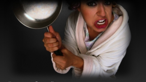 Хвалынская разбойница грозила жертве ножом и била сковородкой