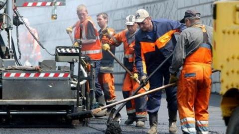 Саратову обещали 100 миллионов рублей на ремонт дорог