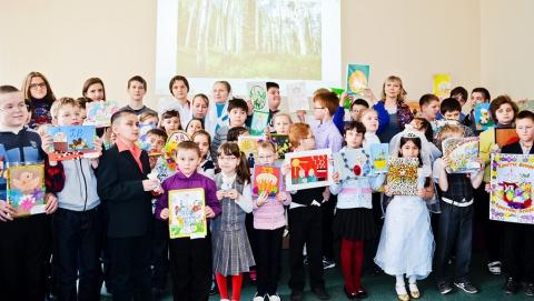 Слабовидящим детям Саратова вручили пасхальные подарки