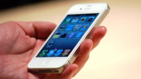 У восьмиклассника отобрали Айфон 4s и продали за 500 рублей