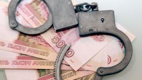Директор и бухгалтер предприятия попались на утаивании налогов