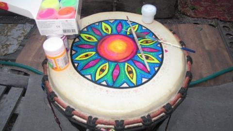 В Саратове гопники отобрали у музыканта барабан