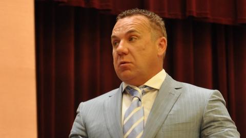 Олег Грищенко возмутился ограничителям на парковочных карманах