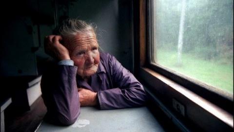 В Энгельсе выпала из окна больничной палаты пожилая пациентка