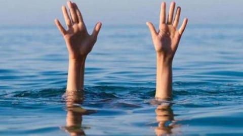 Мужчина купался в пруду под Саратовом и утонул