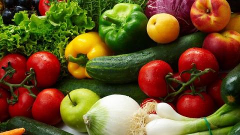За неделю в Саратове резко подешевели сезонные овощи