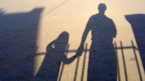 В Энгельсе пенсионер домогался до маленькой подружки своих внуков