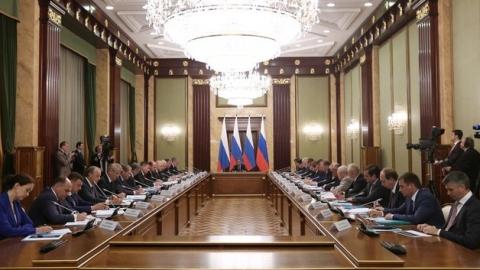 Валерий Радаев попросил у премьер-министра финансово поддержать регион