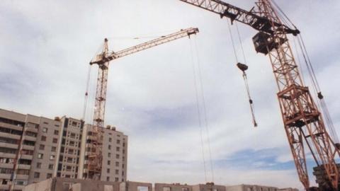 Валерий Радаев поторопил строителей жилья для переселенцев в Степном