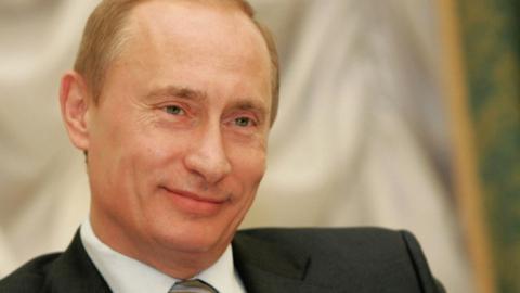 Владимир Путин подписал закон о переносе даты выборов в Госдуму