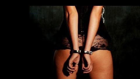 Балаковские полицейские поймали интердевочек в гостиницах