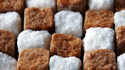 В Саратове дешевеют огурцы и поднимается в цене сахар