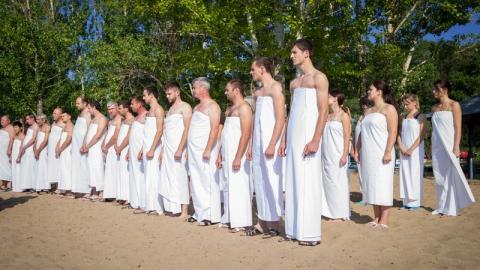 В субботу в Волге крестились 43 оглашенных саратовца