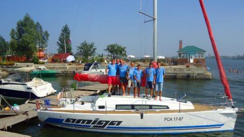 Саратовские яхтсмены намерены вернуть потерянное после спасения людей лидерство в гонке